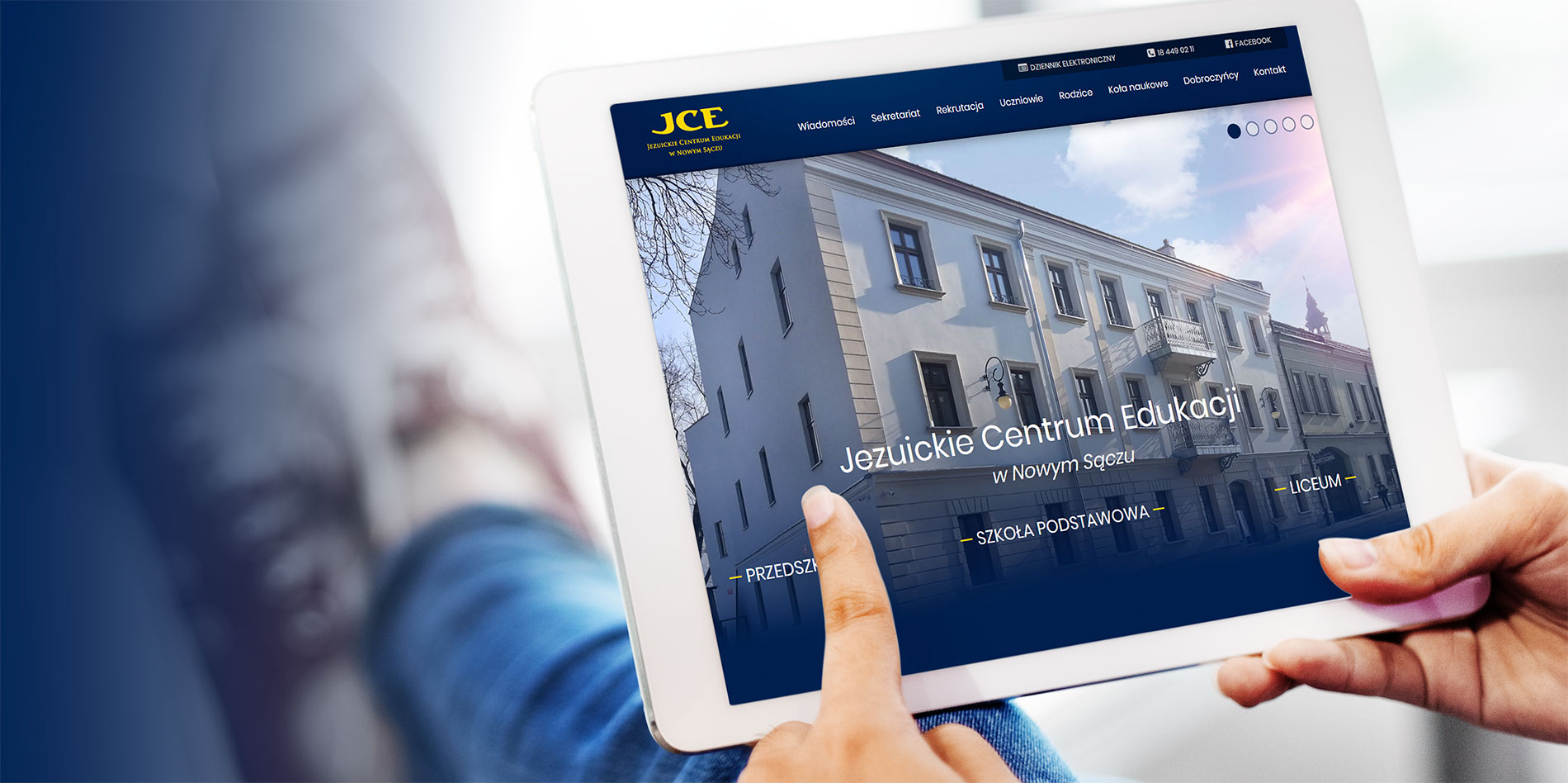 Jezuickie Centrum Edukacji / <span>Zespół Szkół</span>